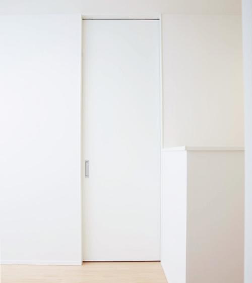 高さ2400mmのドア
